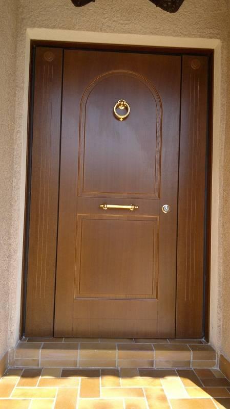 Porte d entr e sur mesure en bois menuiserie image et conseil - Porte blindee sur mesure ...