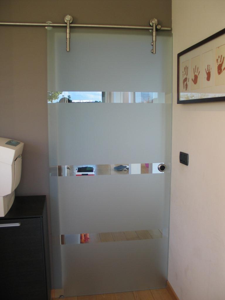 Double porte coulissante suspendue en verre menuiserie image et conseil - Porte coulissante plafond ...