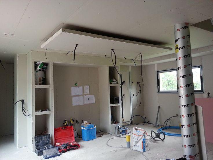 Faux plafond dans une cuisine menuiserie image et conseil for Rampe d eclairage pour cuisine